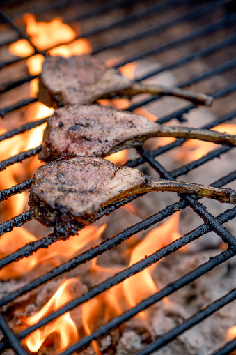 Barbecue Grill「Charcoal Grilled French Lamb Chops」:スマホ壁紙(13)