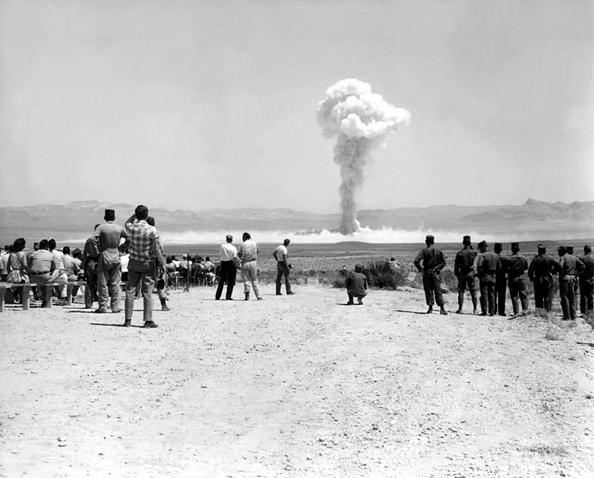 Galerie Bilderwelt「Nuclear Test USA - Sunbeam」:写真・画像(9)[壁紙.com]