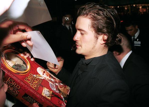 オーランド・ブルーム「Orlando Bloom At The Film Premiere Of 'The Lord Of The Rings: Two Towers'」:写真・画像(19)[壁紙.com]