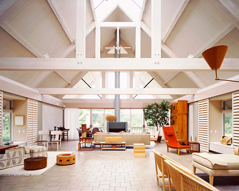 Outdoor Chair「Light-filled House with Vaulted Ceiling and Eclectic Furnishings」:スマホ壁紙(0)
