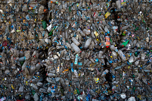 Bottle「Istanbul's Waste Management Infrastructure Services The Cities 15 Million Residents」:写真・画像(5)[壁紙.com]