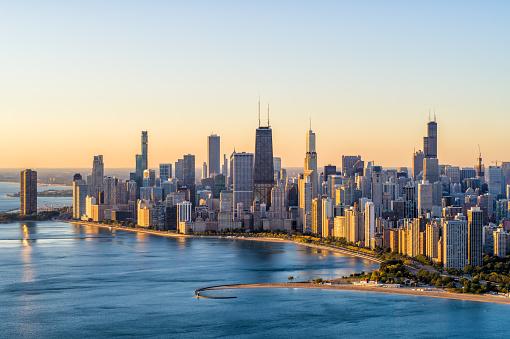 Urban Skyline「Chicago Aerial Cityscape at Sunrise」:スマホ壁紙(11)