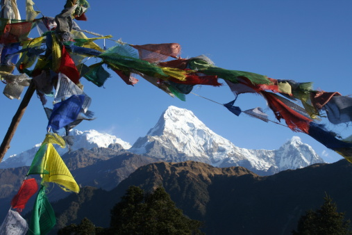 Annapurna Range「Annapurna framed by prayer flags」:スマホ壁紙(16)