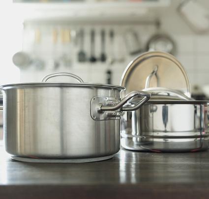 Saucepan「Pots in Kitchen」:スマホ壁紙(17)