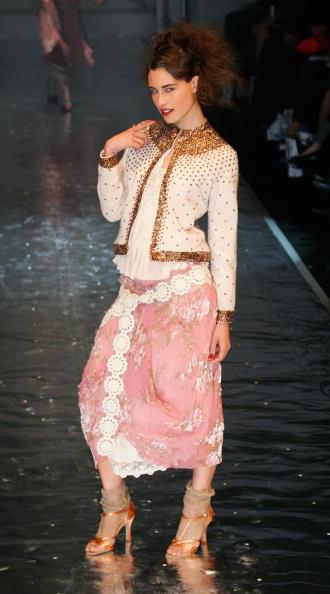 Cutting「NZL: New Zealand Fashion Week - Trelise Cooper」:写真・画像(18)[壁紙.com]