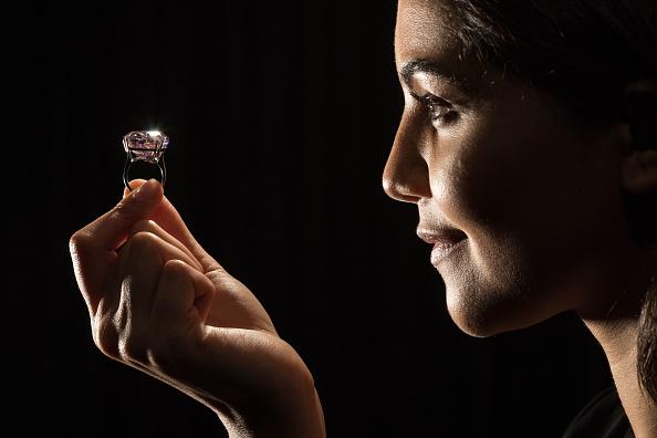 Ian Gavan「Sotheby's Pink Star Diamond Sale Announcement」:写真・画像(9)[壁紙.com]