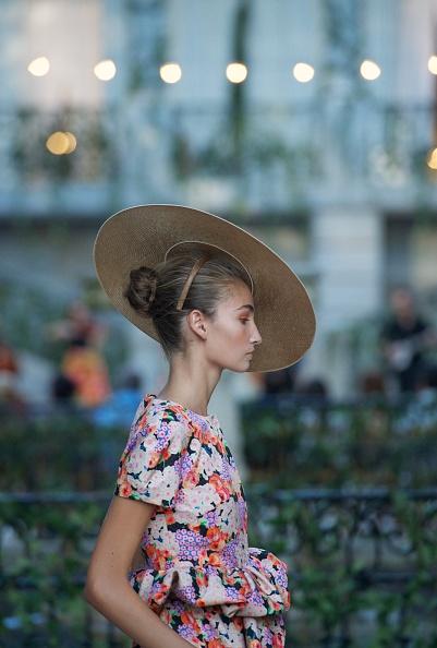 Profile View「Mercedes Benz Fashion Week Madrid S/S 2013 - DelPozo」:写真・画像(6)[壁紙.com]