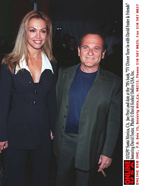 "11/12/97 Santa Monica, CA. Joe Pesci with his wife, Martha Haro at the 70's bash, ""TV Dinner Tune In:ニュース(壁紙.com)"