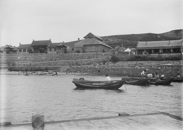 Anchored「Sampan Boats Port Weihaiwei」:写真・画像(16)[壁紙.com]