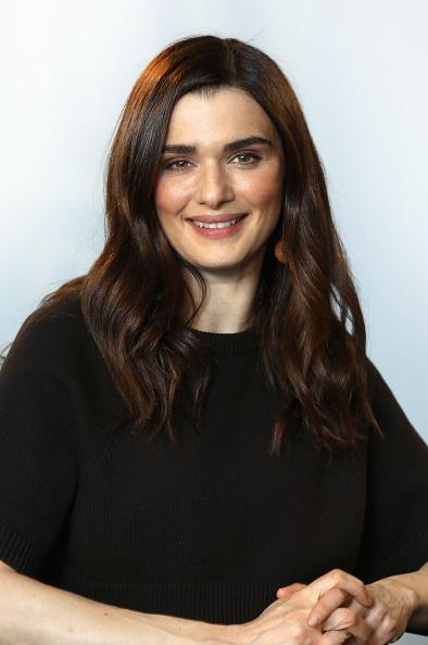 カメラ目線「BUILD LDN - The Cast Of 'My Cousin Rachel'」:写真・画像(2)[壁紙.com]
