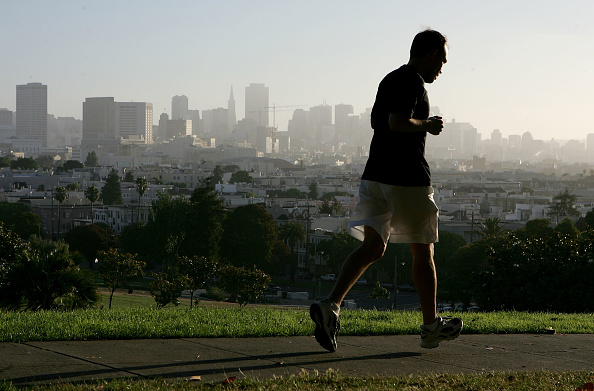 男性一人「San Francisco Named Best City For Jogging」:写真・画像(8)[壁紙.com]