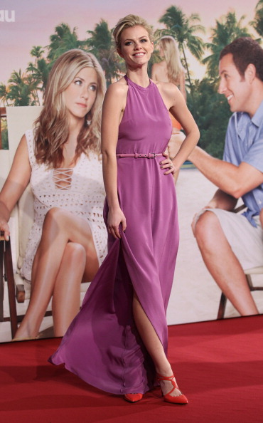 Sleeveless Top「'Just Go With It' Germany Premiere」:写真・画像(13)[壁紙.com]