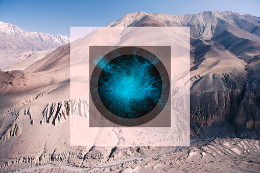 Multiple Exposure「Glitch effect and glowing sphere in mountains, Jomsom, Nepal」:スマホ壁紙(11)