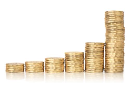 金運「ゴールドのコイン上のチャート」:スマホ壁紙(6)