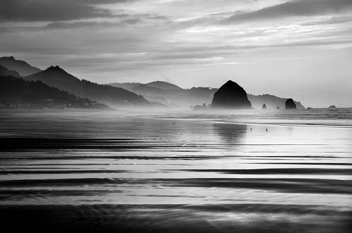 Cannon Beach「Spectacular Cannon Beach Reflections」:スマホ壁紙(15)