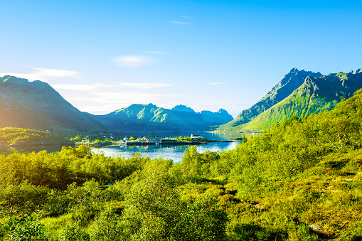 Scandinavia「Spectacular mountain scenery of Lofoten Islands, Norway」:スマホ壁紙(9)