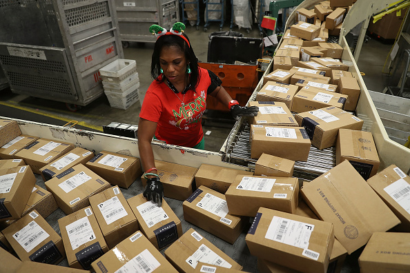 Gulf Coast States「US Postal Service Ramps Up Mail Processing For Holiday Rush」:写真・画像(8)[壁紙.com]