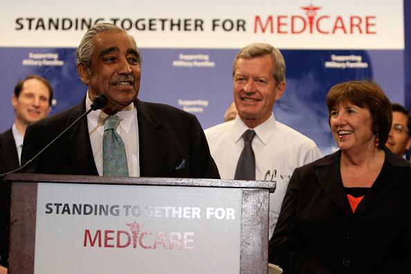 Medicare「Senate Democrats Host Rally In Support Of Medicare Bill」:写真・画像(19)[壁紙.com]