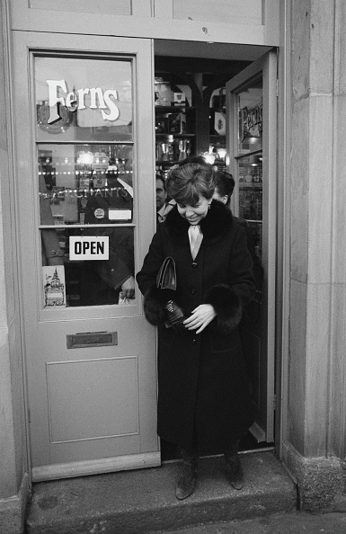 金融と経済「Raisa Gorbachev Visits Covent Garden」:写真・画像(17)[壁紙.com]