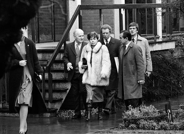 ヒューマンインタレスト「Raisa Gorbachev Visits Anne Hathaway's Cottage」:写真・画像(7)[壁紙.com]