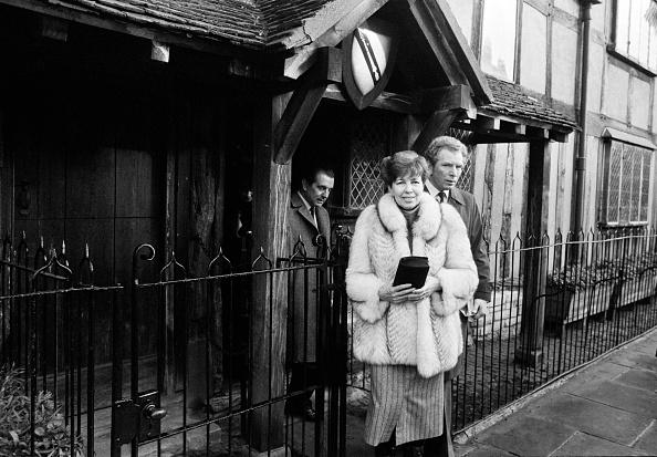 Famous Place「Raisa Gorbachev Visits Anne Hathaway's Cottage」:写真・画像(15)[壁紙.com]