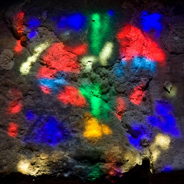 Vibrant Color「Patterns Of Colour And Light From A Stained Glass Window」:写真・画像(9)[壁紙.com]