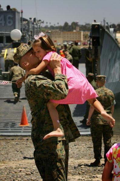 Sailor「Marines Return To Camp Pendleton From Iraq」:写真・画像(1)[壁紙.com]
