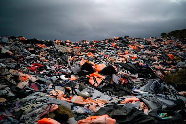 Refugee「Migrant Life Jacket Graveyard Of Lesbos」:写真・画像(4)[壁紙.com]