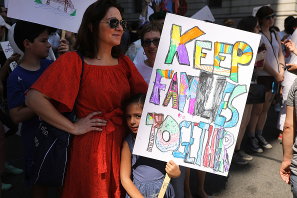 Family「Thousands Across U.S March In Support Of Keeping Immigrant Families Together」:写真・画像(11)[壁紙.com]