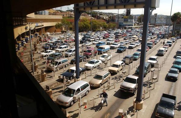 Baja California Peninsula「INS to Merge Under Homeland Security」:写真・画像(8)[壁紙.com]