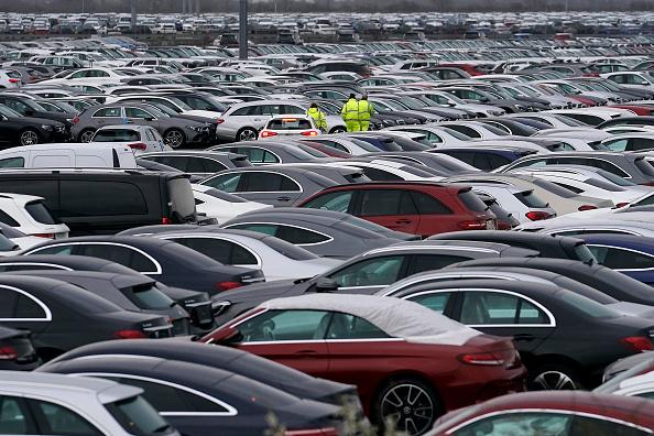Economy「Car Imports Wait At Grimsby Port」:写真・画像(11)[壁紙.com]