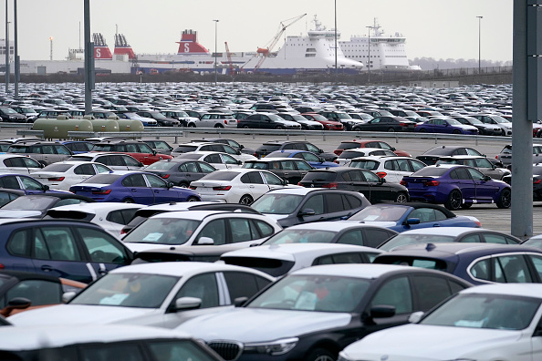 Economy「Car Imports Wait At Grimsby Port」:写真・画像(9)[壁紙.com]
