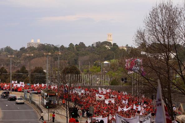 Australian Labor Party「Striking Teachers March To Parliament House」:写真・画像(3)[壁紙.com]
