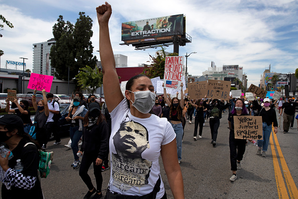 Obscured Face「National Guard Called In As Protests And Unrest Erupt Across Los Angeles Causing Widespread Damage」:写真・画像(4)[壁紙.com]