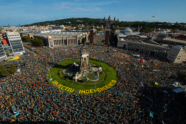 Celebration「Catalan National Day Celebrations」:写真・画像(2)[壁紙.com]