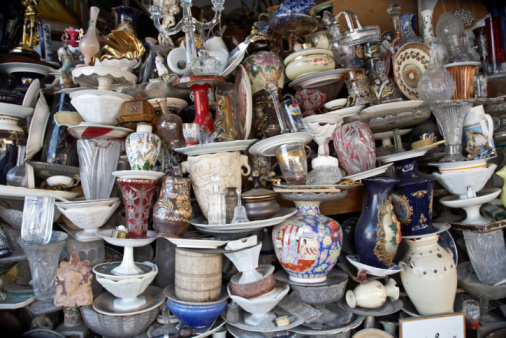 Market Stall「Jumble of crockery in Athens flea market」:スマホ壁紙(2)
