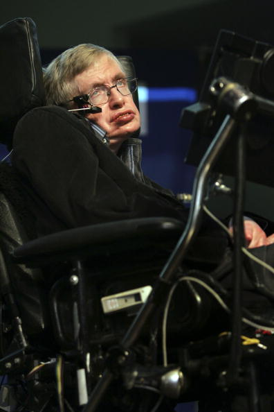 コスモス「Stephen Hawking Gives Origin Of The Universe Lecture In Jerusalem」:写真・画像(10)[壁紙.com]