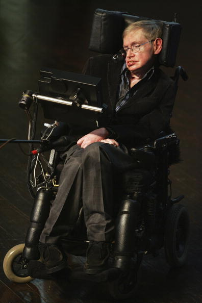 コスモス「Stephen Hawking Gives Origin Of The Universe Lecture In Jerusalem」:写真・画像(2)[壁紙.com]