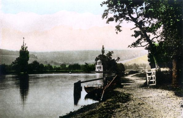 ヘンリーロイヤルレガッタ「Henley Regatta Island, 20th Century.Artist: Cavenders Ltd」:写真・画像(15)[壁紙.com]