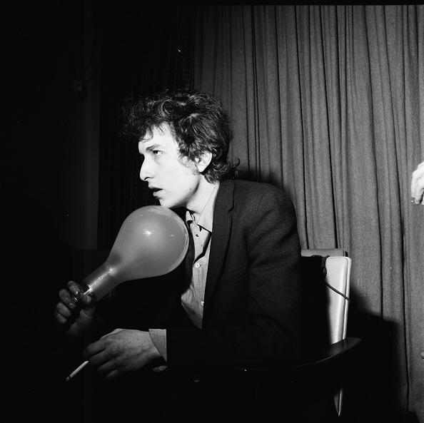 Light Bulb「Bob Dylan」:写真・画像(19)[壁紙.com]