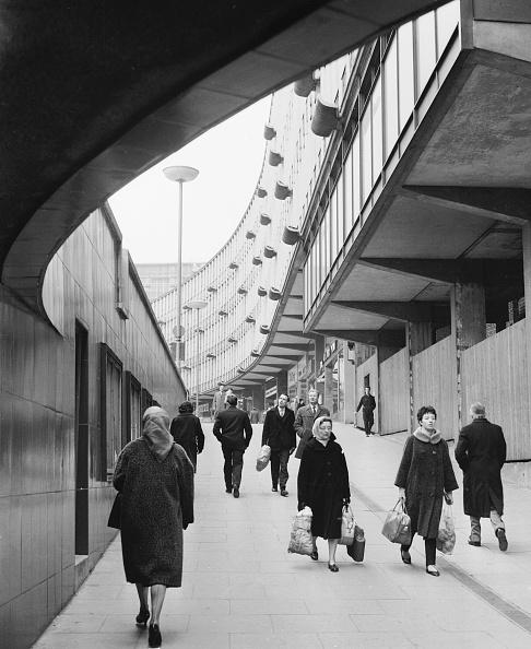Footpath「Pedestrianised」:写真・画像(2)[壁紙.com]
