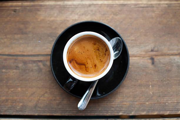 Feshly brewed espresso:スマホ壁紙(壁紙.com)