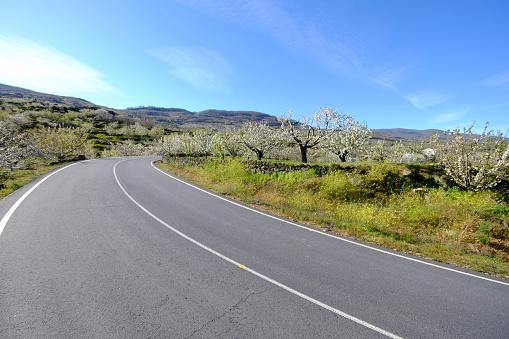 Motor Racing Track「Road in the countryside of Spain」:スマホ壁紙(4)
