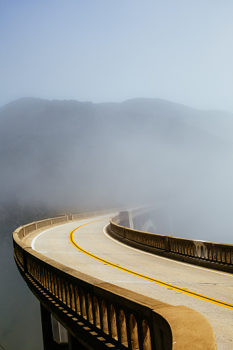 Bixby Creek Bridge「Road in the Morning Fog」:スマホ壁紙(17)