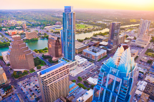 Downtown District「Austin Texas skyscrapers skyline aerial at sunset from helicopter」:スマホ壁紙(5)