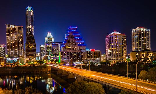 Neon Colored「Austin Texas evening excitement cityscape, skyline, skyscrapers, Congress Avenue Bridge」:スマホ壁紙(19)
