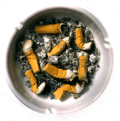 Tar「Ashtray full of cigarettes」:スマホ壁紙(5)