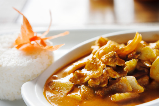 Jasmine Rice「Thai beef red curry, garnished with a carved carrot butterfly」:スマホ壁紙(10)