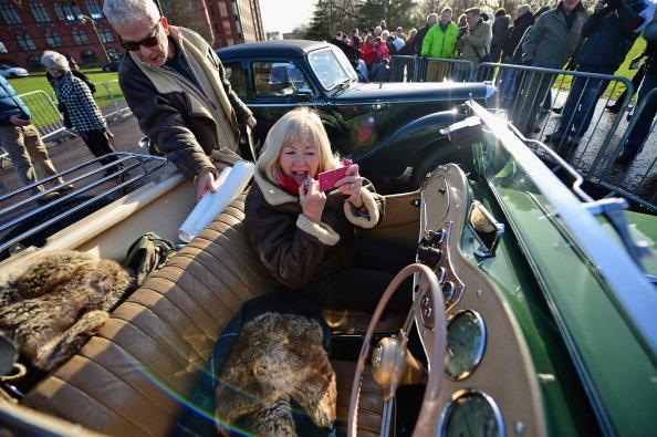 Jeff J Mitchell「Classic Cars Start The Monte Carlo Rally From Glasgow」:写真・画像(13)[壁紙.com]