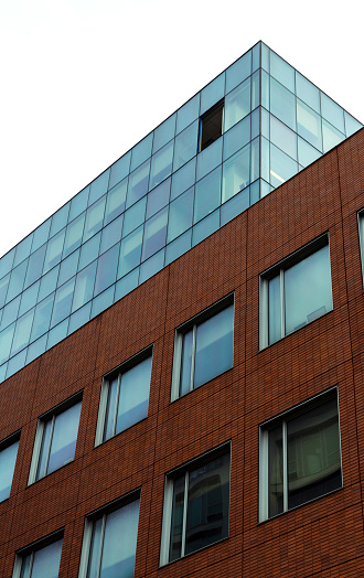 Glass Factory「Window removed for replacement on a high floor of the office building in Harlem, New York City」:スマホ壁紙(15)